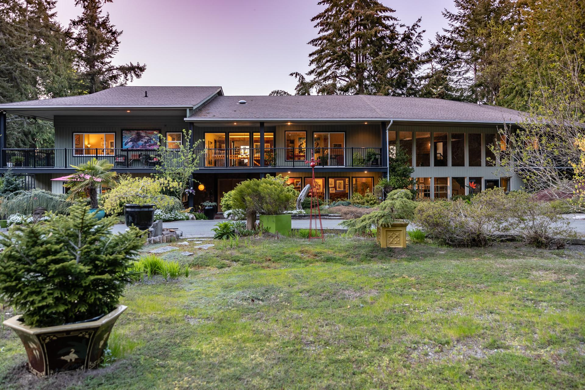 5101 Island Highway West, Qualicum North, Oceanside